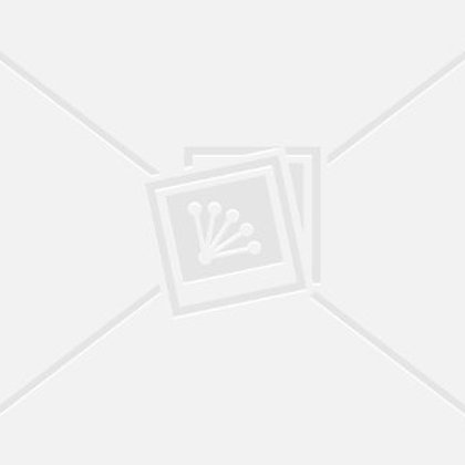 Две рыжие девушки в доме шлепают по попе музыкальный клип фото 640-640